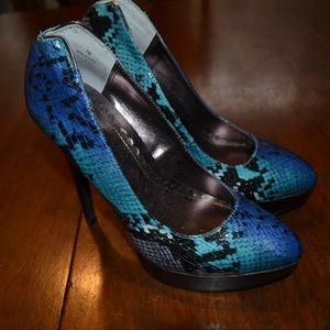 LuLu Townsend Faux Snakeskin Blue Platform Heel 7M